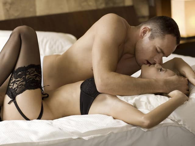 hot passion sex in bed pictures