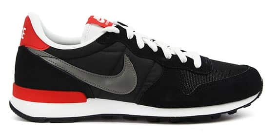 internationalist-suede-noir-nike